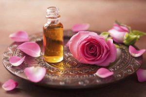 Minyak Mawar Alami — Komposisi UpSize Cream Indonesia