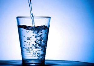 Detoksifikasi_Tubuh dengan Air Putih — Memurnikan tubuh dengan air putih sangatlah populer
