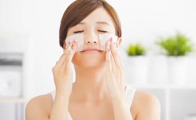 Perawatan kulit — ini adalah momen yang sangat penting dalam kehidupan seorang wanita