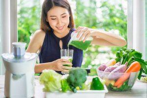 Makanan Detoksifikasi Tubuh — Ada buah_buahan, lalu sayuran, lantas tanaman aromatik